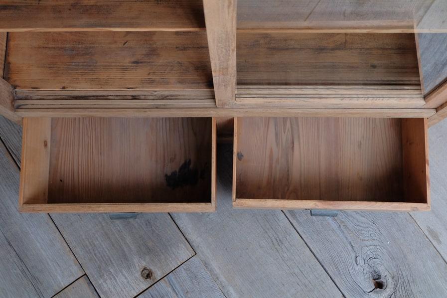 ICCAの日本のアンティークのシンプルな飾り棚