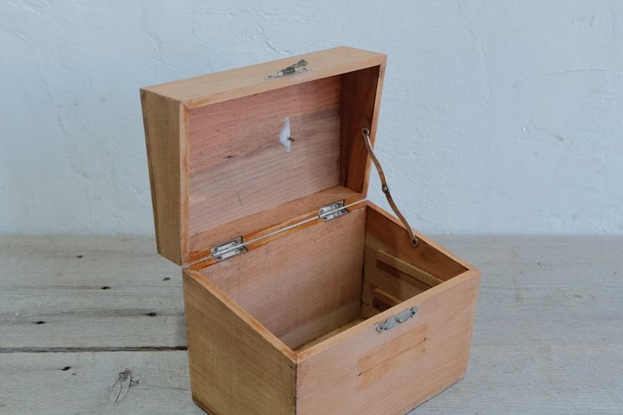 ICCA日本のアンティーク小箱