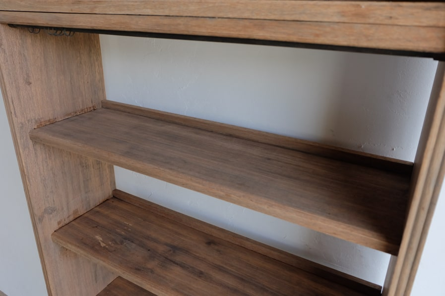 ICCAの和家具のシンプルな背の高い本棚