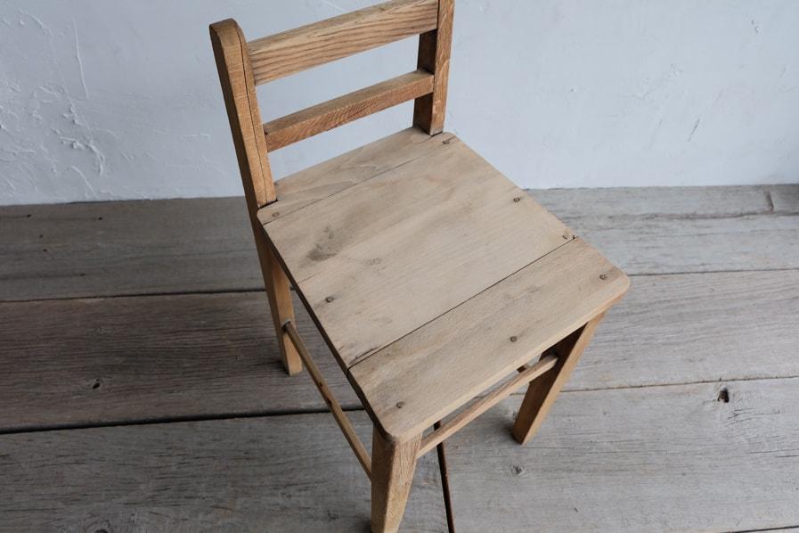 木製アンティークチェア