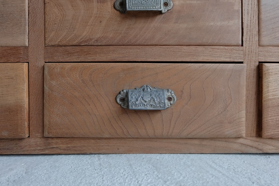 日本の古道具の引き出し収納