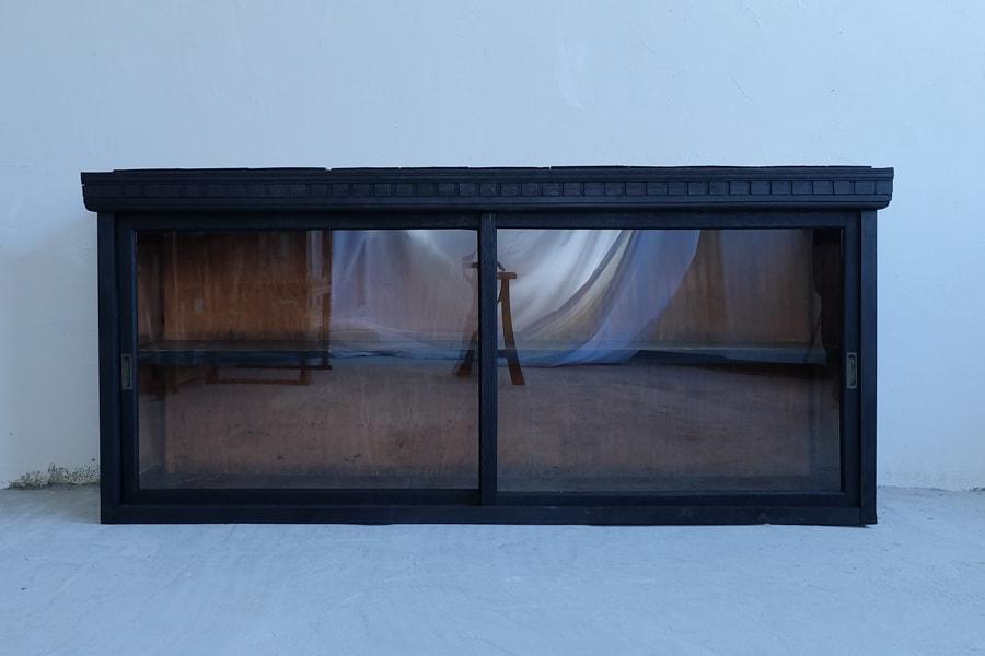 ICCAの日本のアンティークの黒いテレビボード