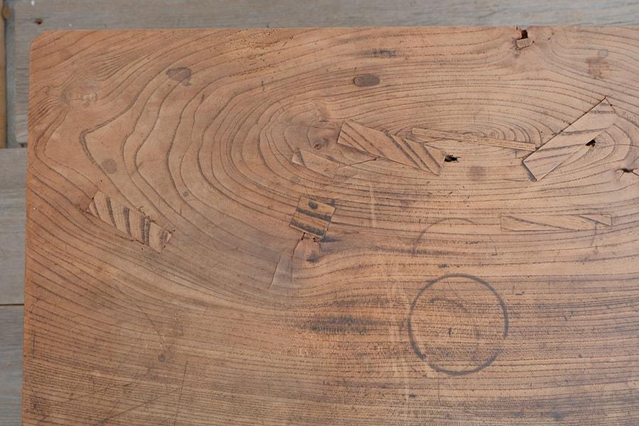 日本のアンティークの引き出し付きのコーヒーテーブル