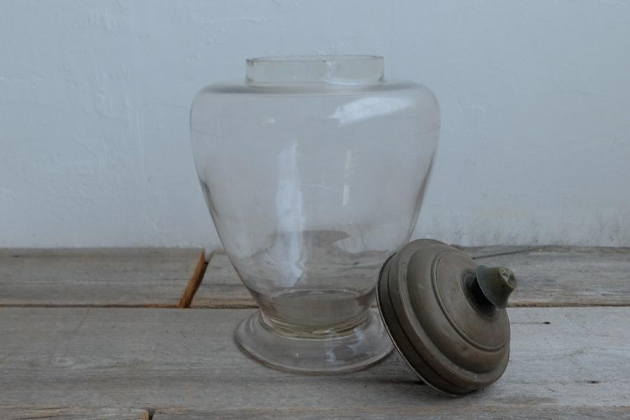 ICCAの日本のアンティークのレトロな真鍮蓋つきのガラス鉢