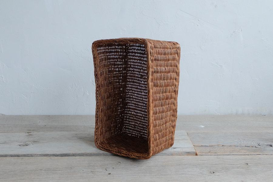 手編みのあけび古籠