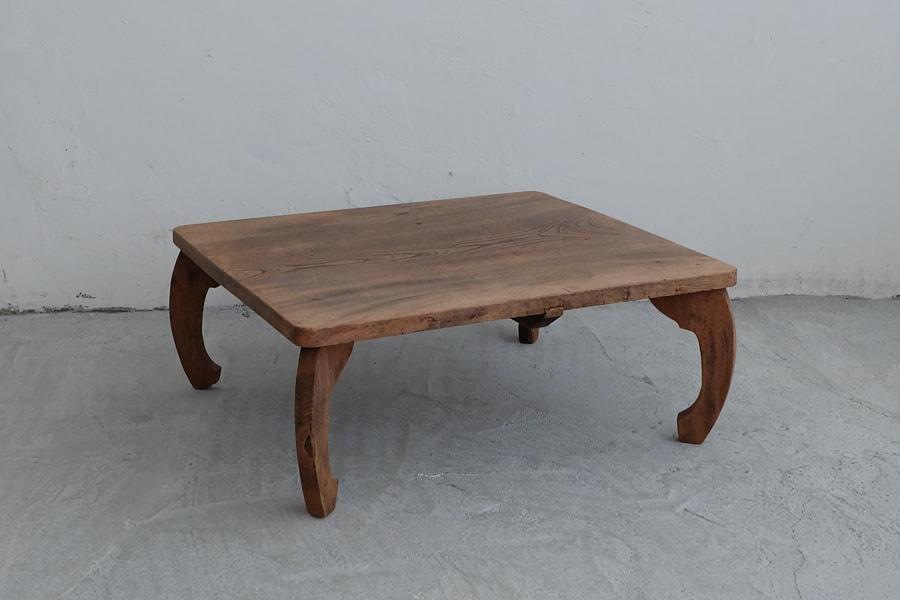 日本のアンティークの和風のローテーブル