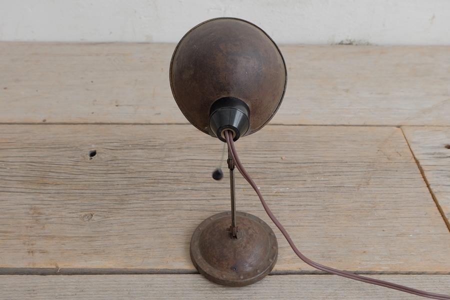 日本のアンティークの銅製のシンプルなデスクランプ