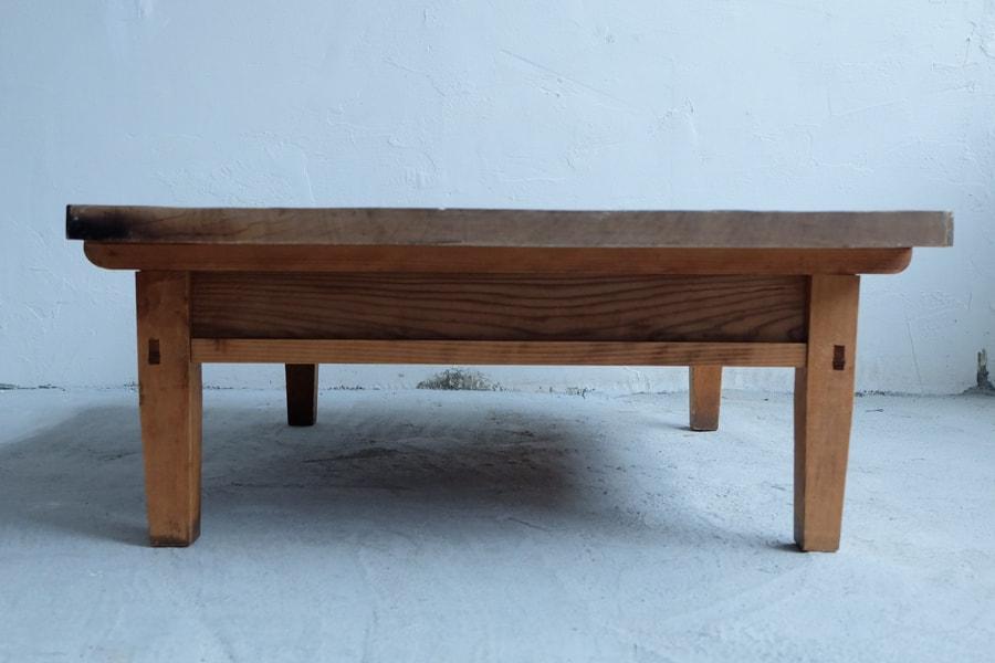 日本のアンティークの昭和レトロのセンターテーブル