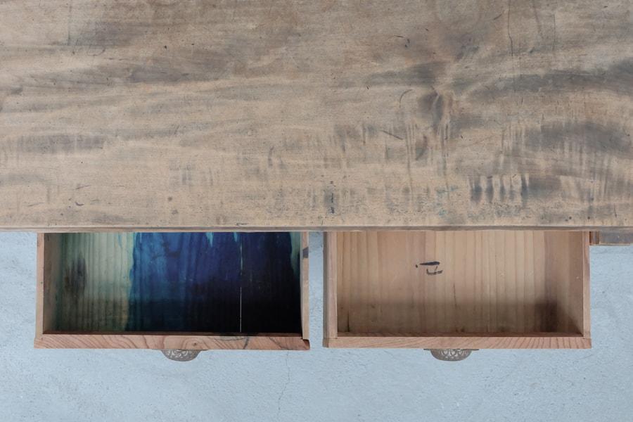 アンティークの日本のシンプルなデザインのセンターテーブル