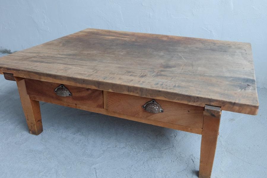 日本のアンティークのケヤキ材の天板のセンターテーブル