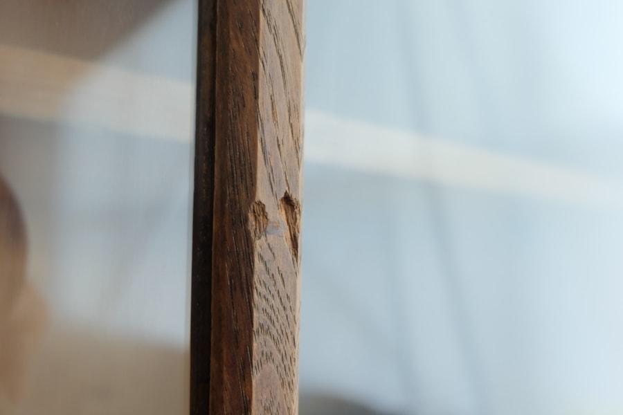 ICCAの日本の古家具の帯飾りのガラスショーケース