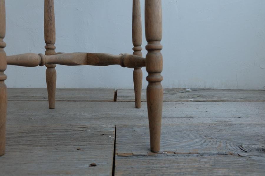 アンティークのろくろ脚の花台