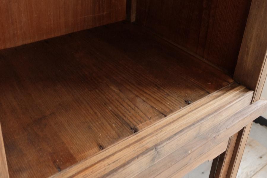 ICCAの日本のアンティークのナラの食器棚