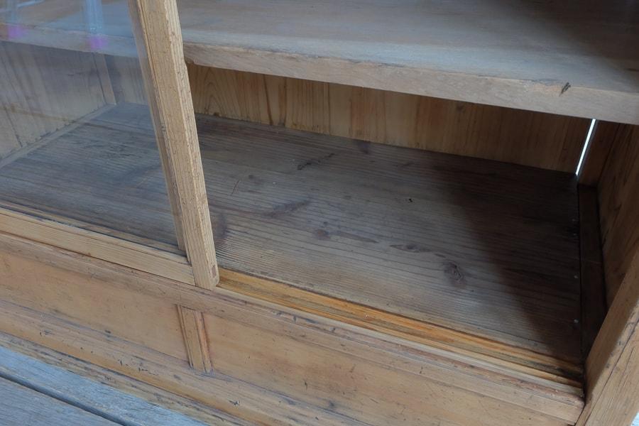 日本の古道具の飾り棚