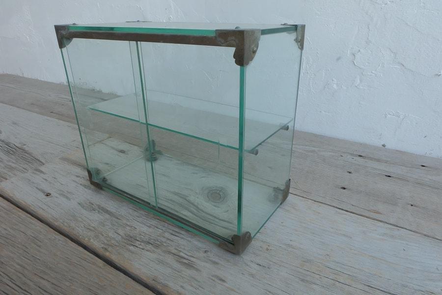 ICCAの日本のアンティークのレトロなガラスケース
