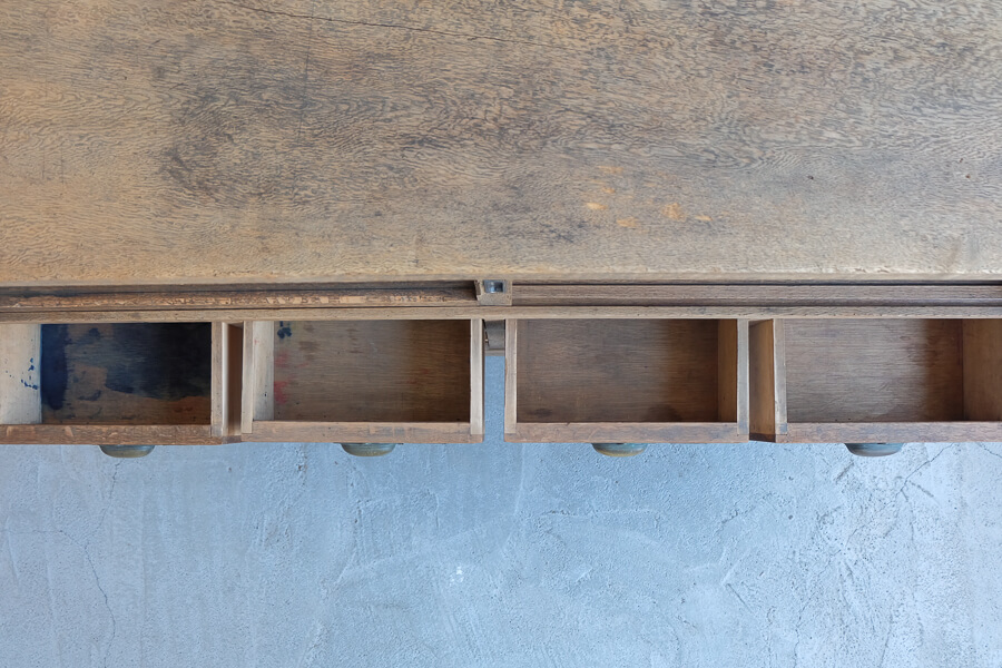 ICCAの日本のアンティークの12杯の引き出しのテレビボード