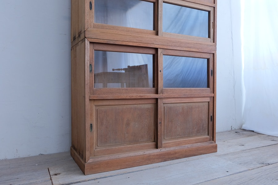 ICCAの日本のアンティークのディスプレイできる飾り棚