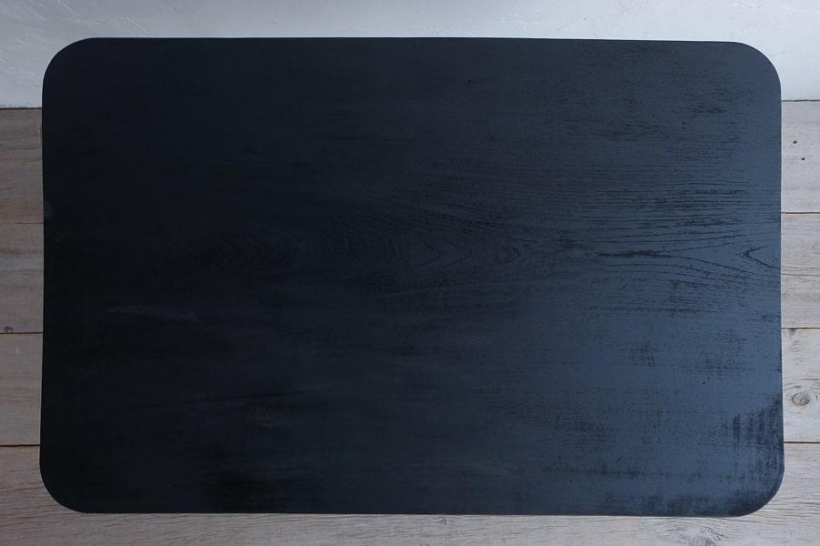 日本のアンティークの黒いろくろ脚のデスク