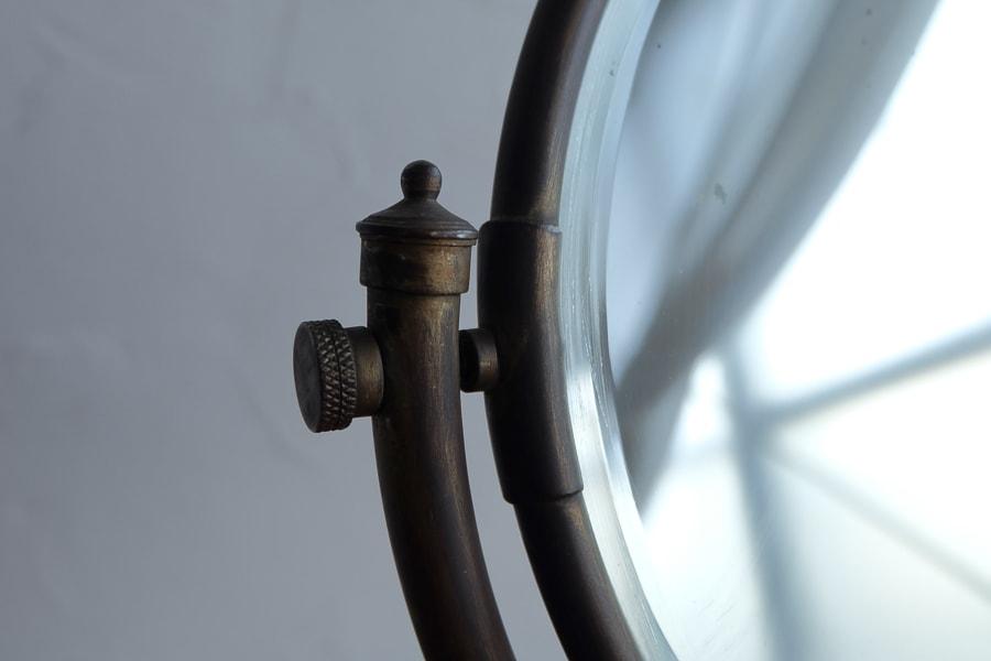 ICCAの日本のアンティークの真鍮の卓上鏡