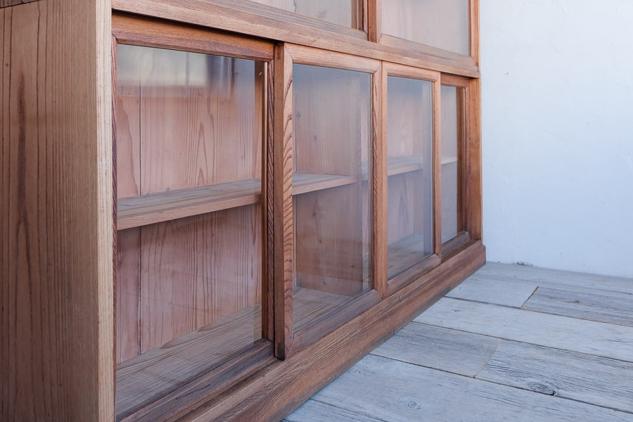 ICCAの日本の古家具のケヤキの大きな食器棚