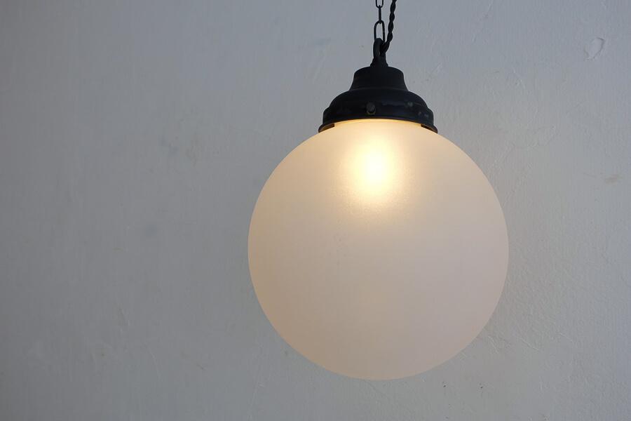 日本のアンティーク調のすりガラスのペンダント照明