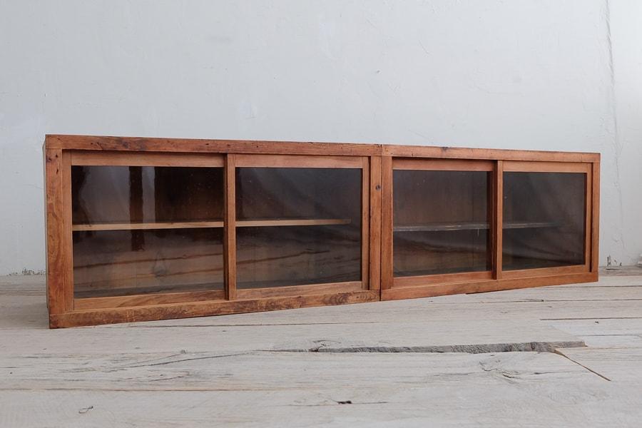ICCAの日本のアンティークのガラスのテレビボード