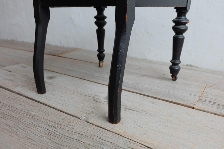 日本のアンティークのろくろ脚の椅子
