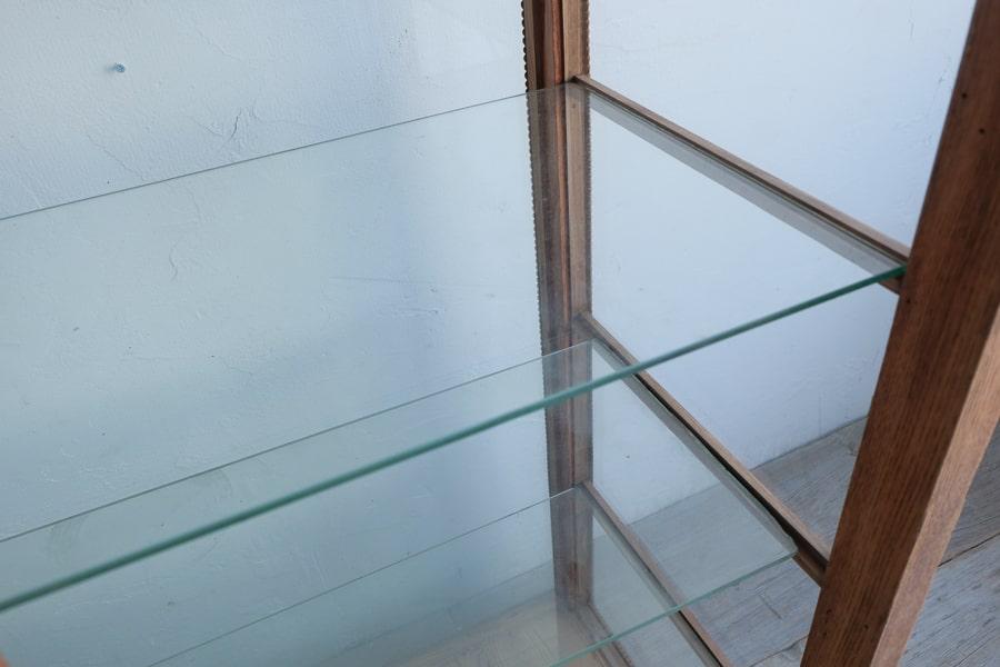 アンティークの和のガラスショーケース