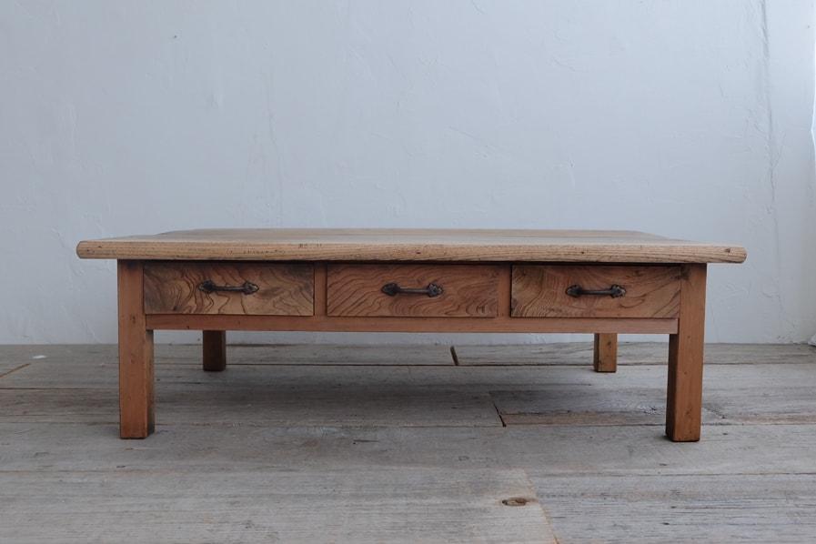 日本のアンティークのシンプルなケヤキのセンターテーブル