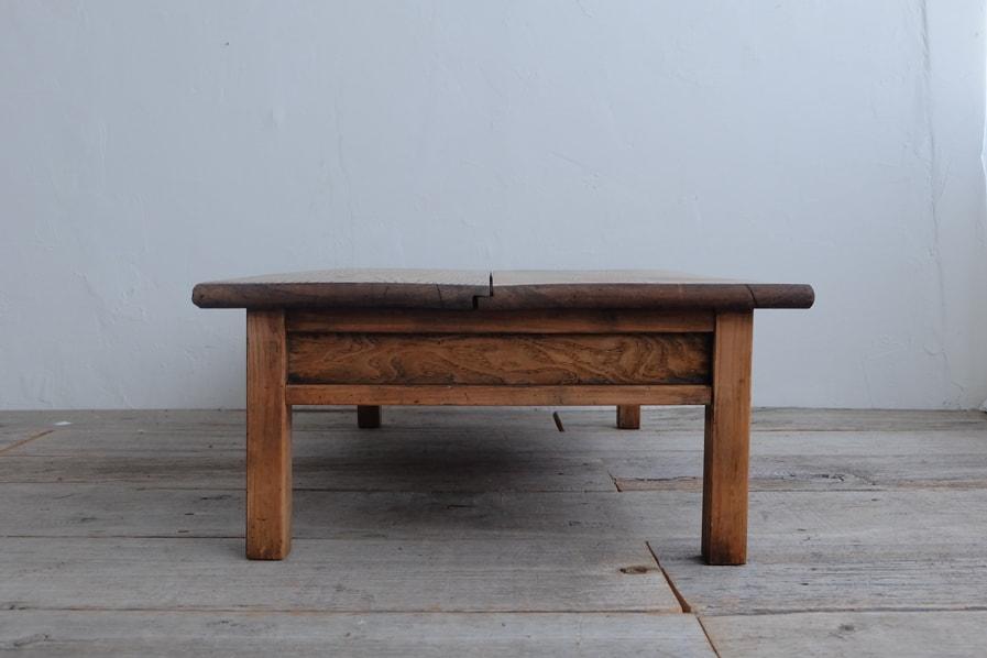 日本のアンティークの大きなサイズのセンターテーブル