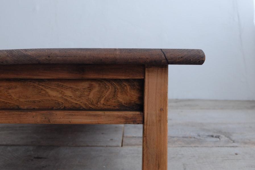 日本のアンティークの収納の多いセンターテーブル