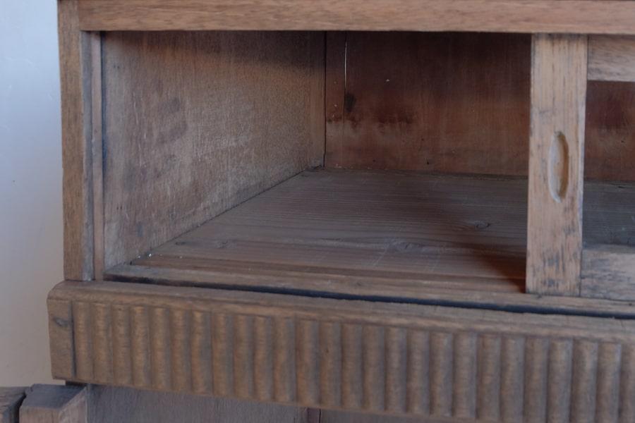 ICCAの日本のアンティークの棚
