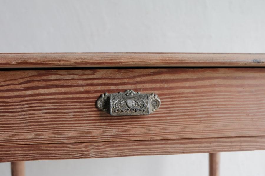 和家具のアンティークデスク