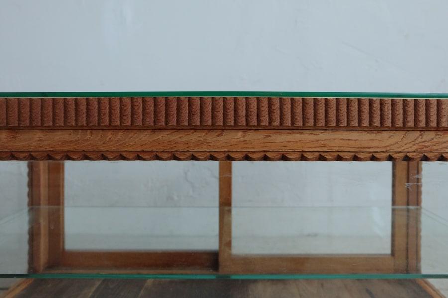 古道具の帯飾りの卓上ショーケース