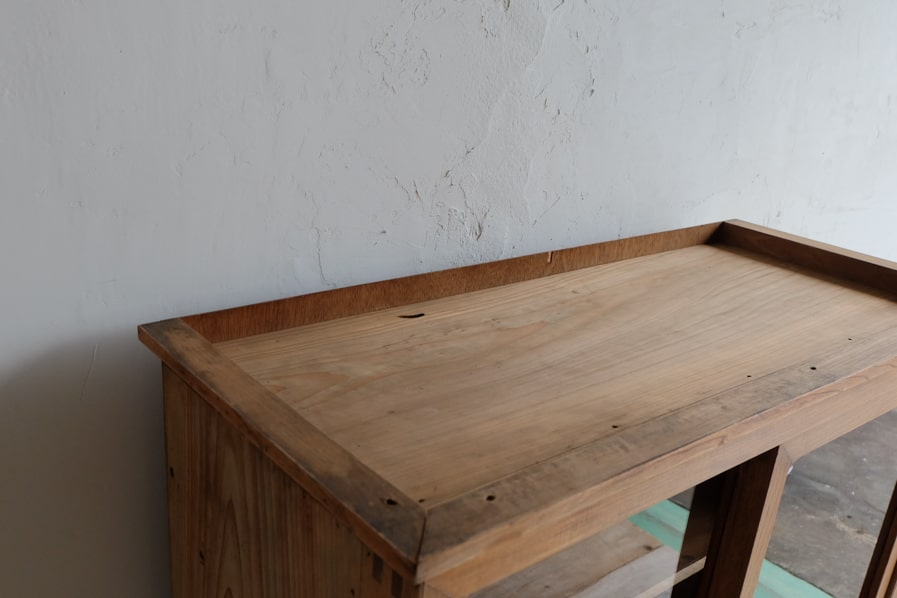 ICCAの和家具のケヤキ材のシンプルな二段の食器棚