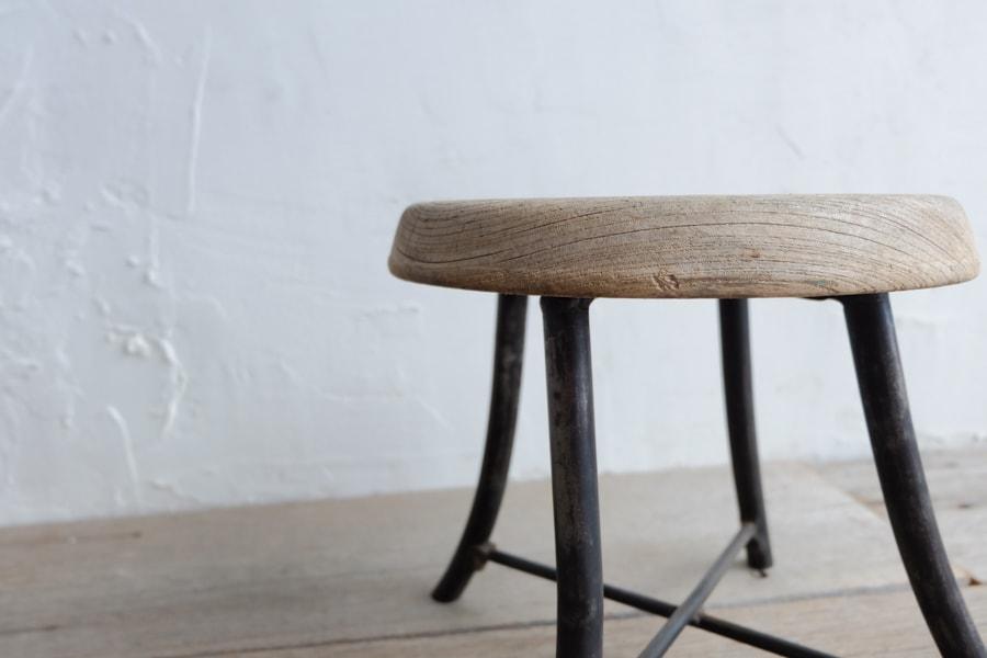 和家具のアンティークアイアンスツール