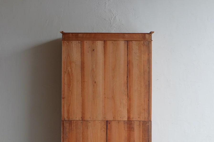 ICCAの日本のアンティークの背の高いケヤキの食器棚