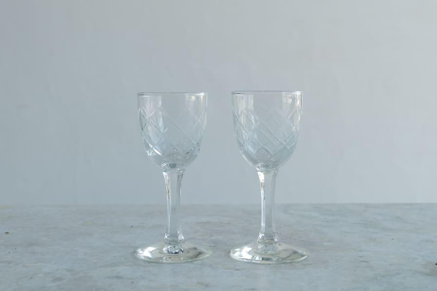 ICCAの日本のアンティークのレトロな切子ガラスのリキュールグラス