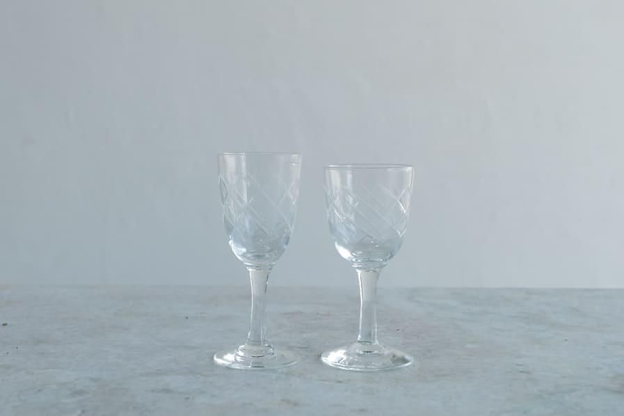 ICCAの日本のアンティークのレトロな切子ガラスのシェリーグラス