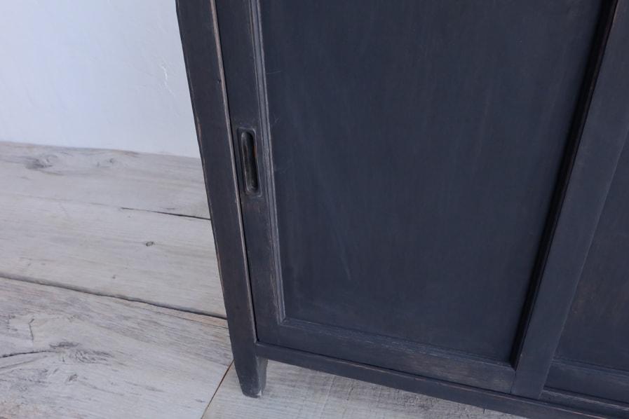 和の古道具の経年した真鍮を使用した小さな棚