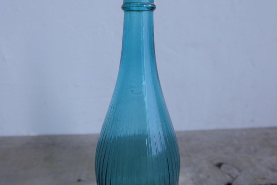 ICCAの日本のアンティークの大きな青いボトル