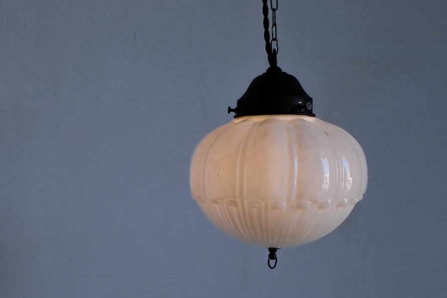 日本のアンティークの柔らかい光のペンダントライト