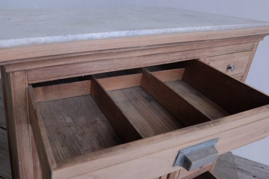 ICCAの日本のアンティークの大理石の天板の大正時代のカウンターテーブル