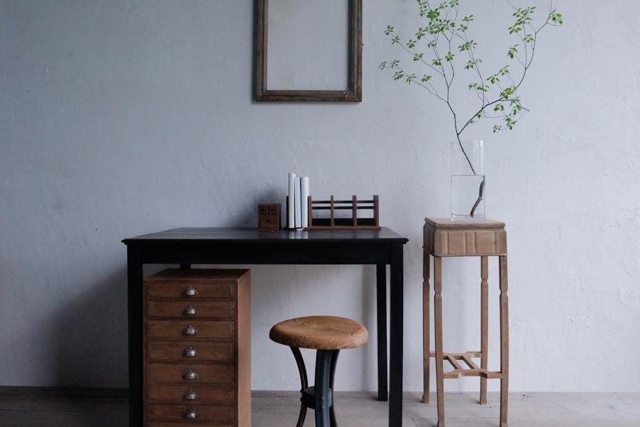 日本のアンティークの骨董のシンプルな花台