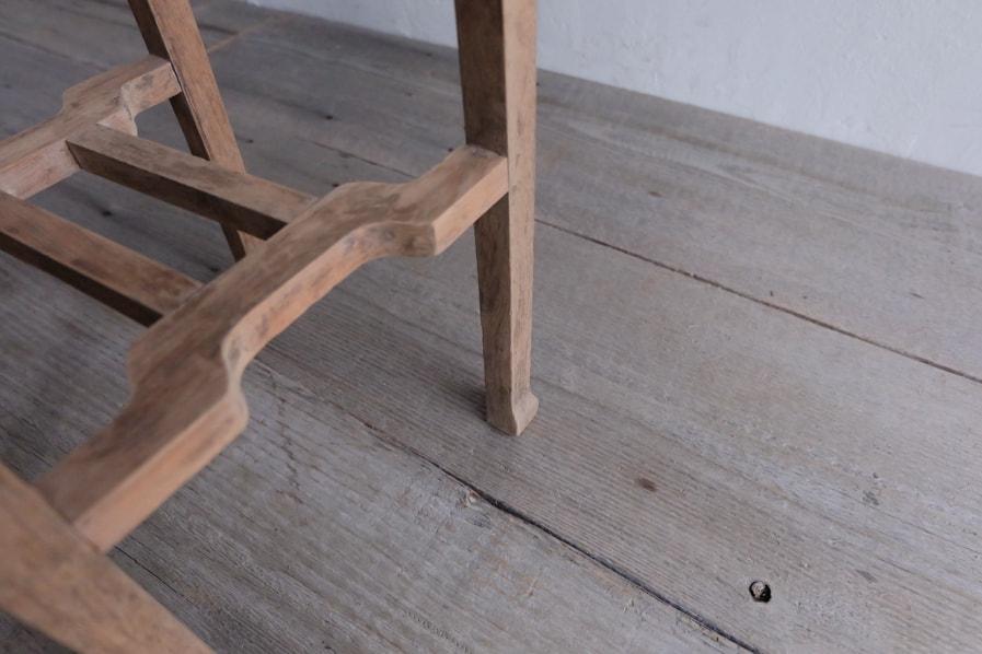 日本のアンティークの古家具のシンプルな花台