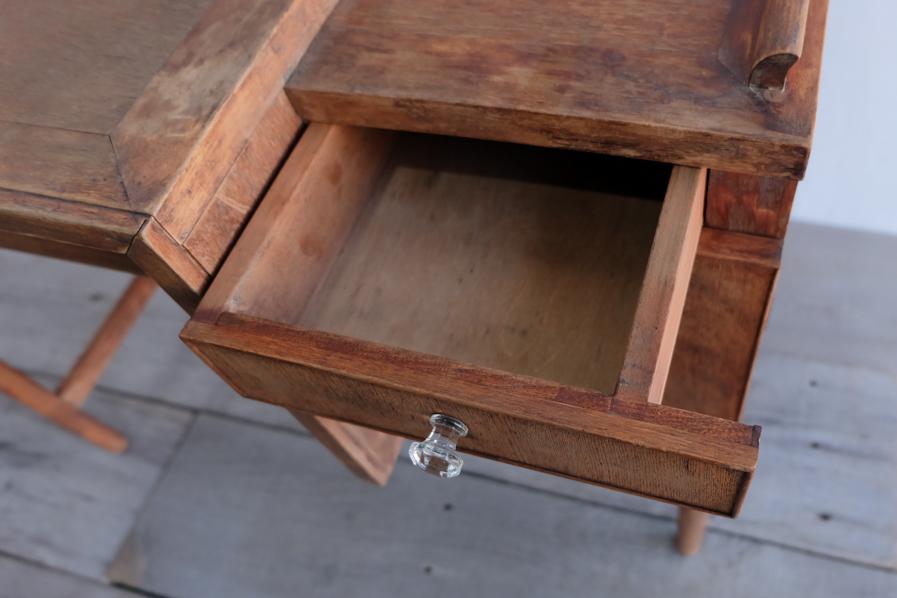 日本のアンティークの整理しやすいガラス取手のデスク