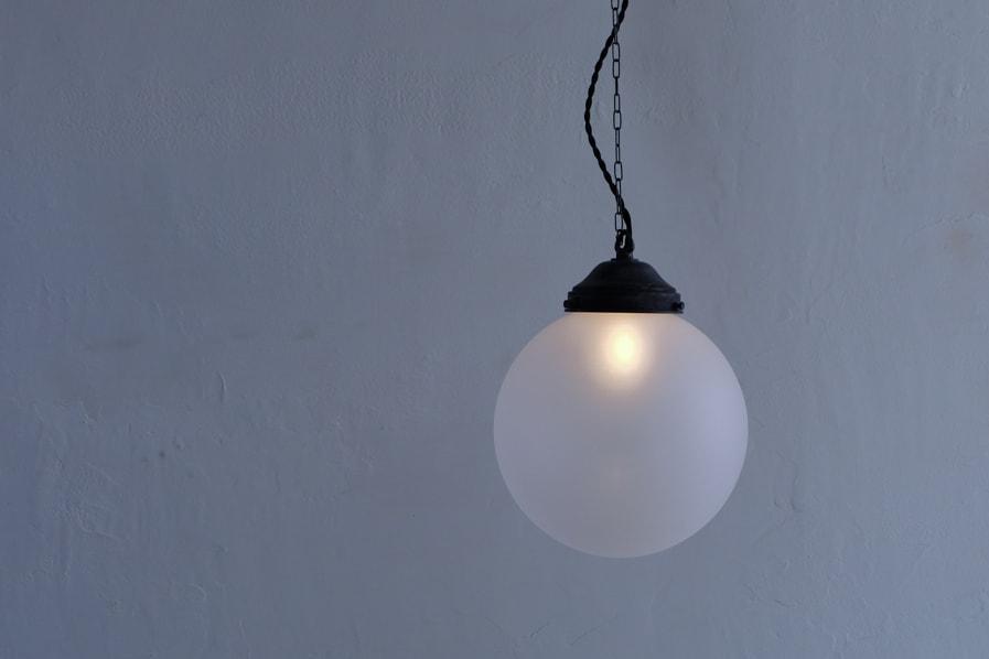 日本のアンティーク調の柔らかい光のリラックスできる照明