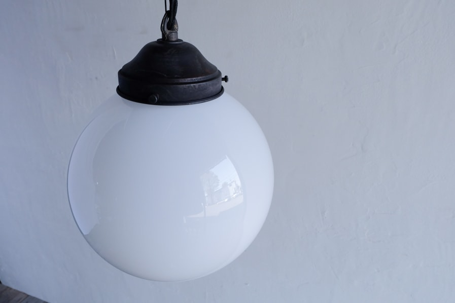 日本のアンティーク調の多灯で使えるガラスシェードの照明