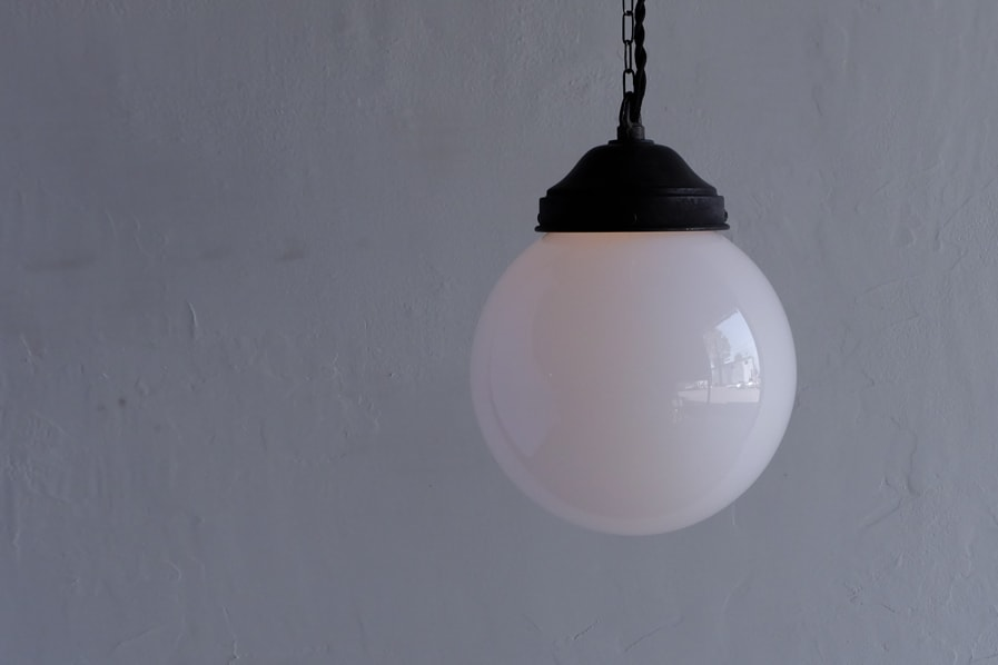 日本のアンティーク調の優しい灯りのリラックスできる照明