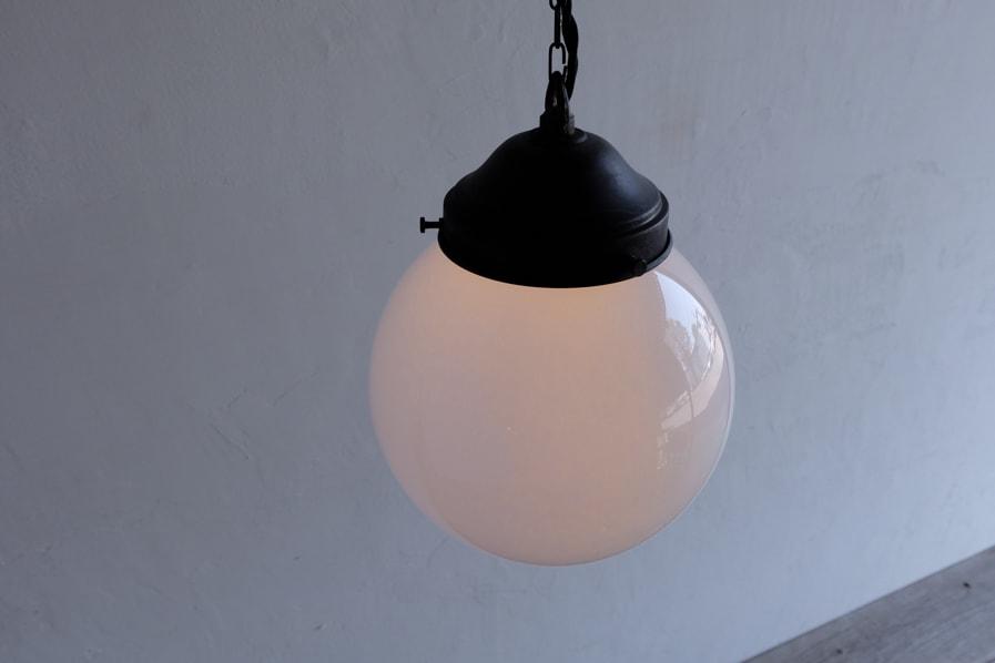 日本のアンティーク調の優しい光のリラックスできる照明